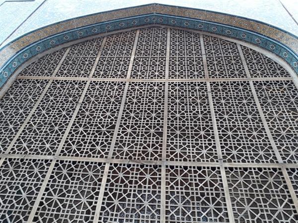 مشبک های چوبی بقعه شیخ صفی الدین اردبیلی مرمت شد