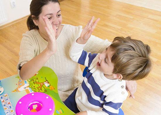 چگونه فرزندانی مستقل و با اعتماد به نفس تربیت کنیم؟